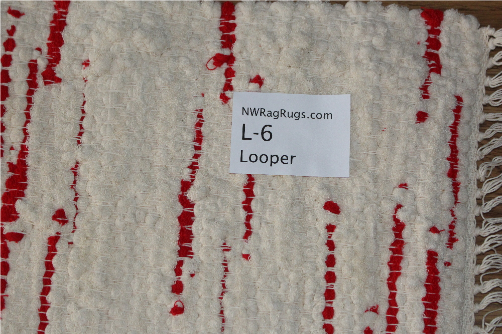 Close-up of Looper #L-6